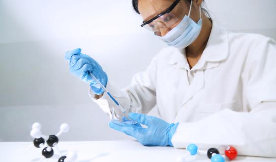 三星与科研团队共同发现一种半导体新材料非晶氮化硼(a-BN)