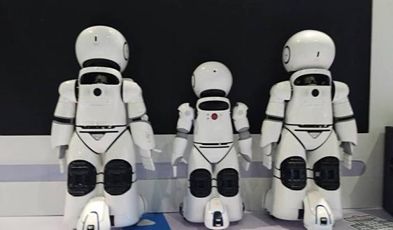 马云:教育应为数字时代改变 否则孩子将无法与机器竞争