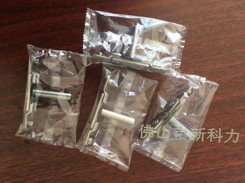 唐氏智能卫浴软管套袋机 卫浴五金配件套袋包装机 伺服枕式包装机生产厂家 花洒配件套袋包装机示例图3